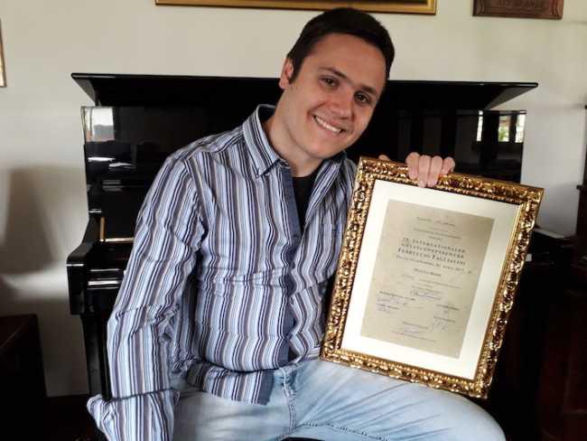 Mattia Rossi Diploma Concorso Canto Lirico Tagliavini