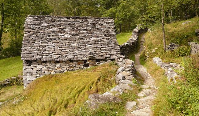 baita sentiero montagna