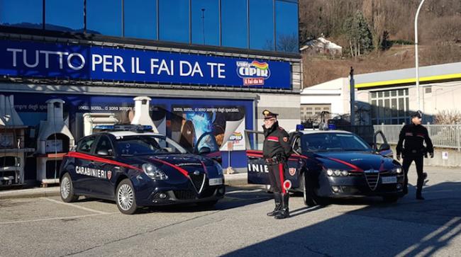 carabinieri auto cipir