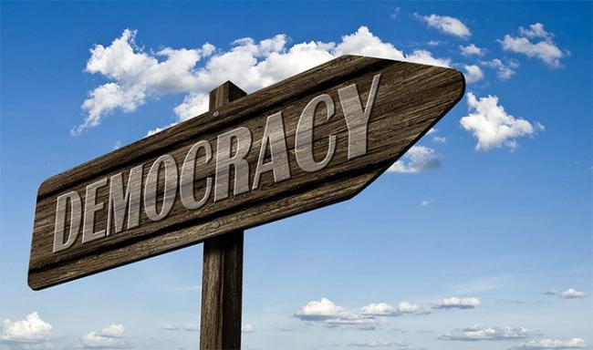 cartello democrazia