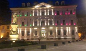 comune tricolore notte domo