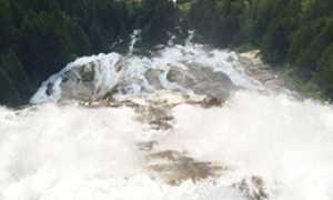corta formazza cascata acqua