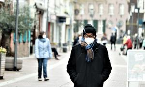 covid mascherina strada