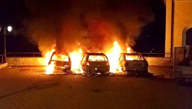 incendio auto notte calasca apr 18