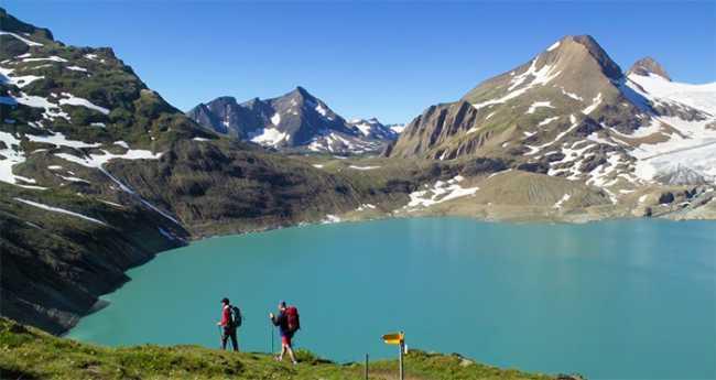 passo gries formazza lago escursionisti