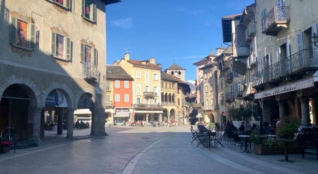 piazza mercato vista briona