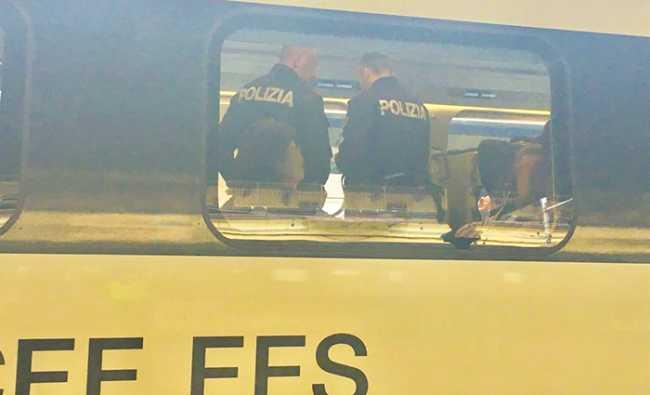 polizia treno documenti