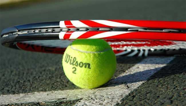 tennis racchetta palla