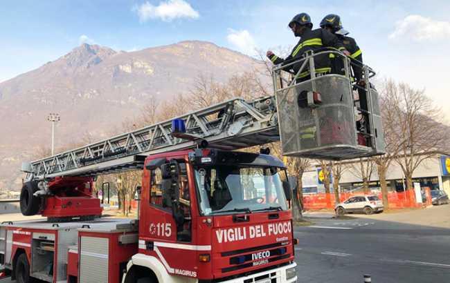 vigili fuoco domo scala piazzale