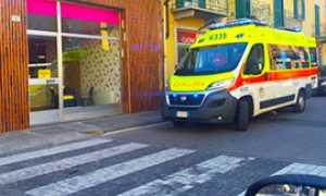 b ambulanza strisce porfido