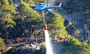 b incendio elicottero acqua