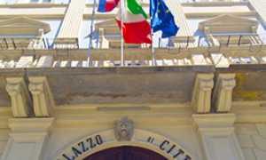 b municipio comune domo bandiere
