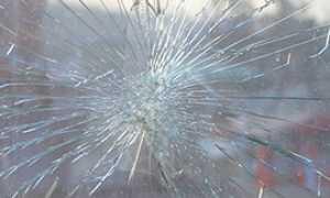 corta vetro rotto