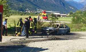 elicottero macchina incendiata c