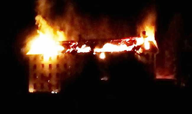 incendio cervandone fuoco notte